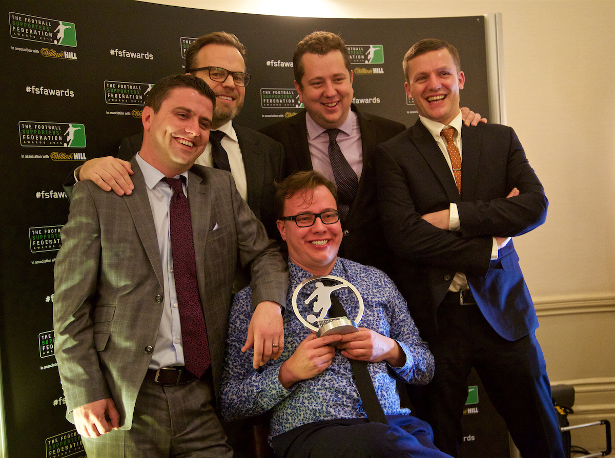 LONDON, ENGLAND - Tuesday, December 8, 2015: The Anfield Wrap team celebrate with the trophy after winning the Podcast of the Year Award at the Football Supporters' Federation Awards Dinner 2015 at the St. Pancras Renaissance Hotel. Andy Heaton, Mike Girling, John Gibbons, Gareth Roberts, Neil Atkinson. (Pic by David Rawcliffe/Propaganda)