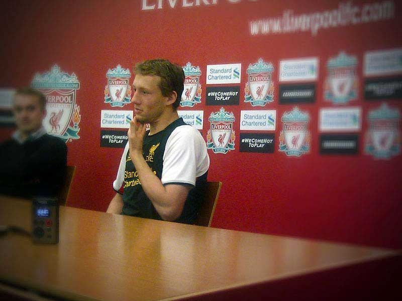 Lucas Leiva meets independent Liverpool FC media outlets as he recovers from injury