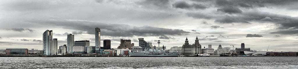 1024px-Liverpool_Skyline_with_HMS_Ark_Royal