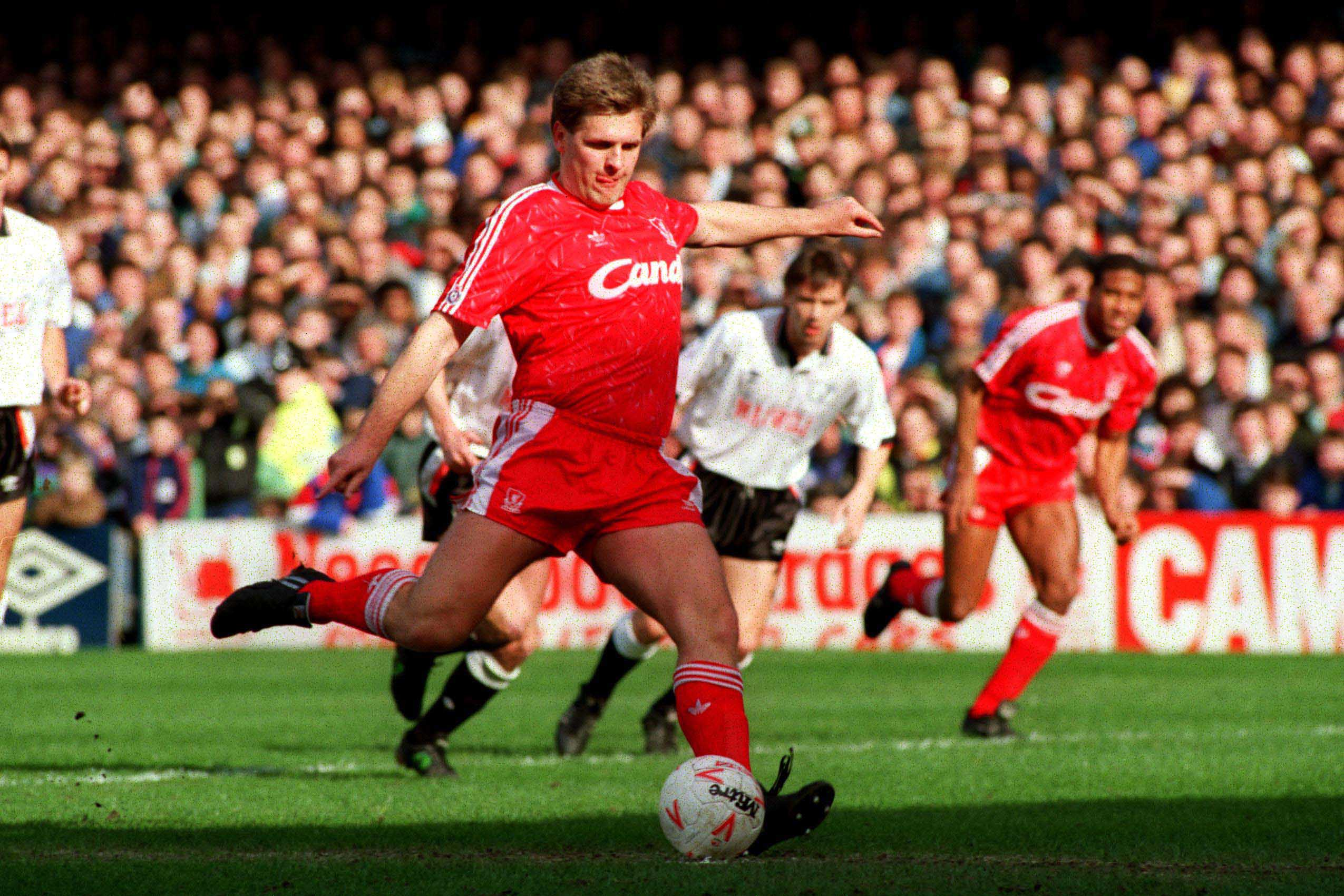 REVIEW: MEN IN WHITE SUITS – LIVERPOOL FC IN THE 1990s