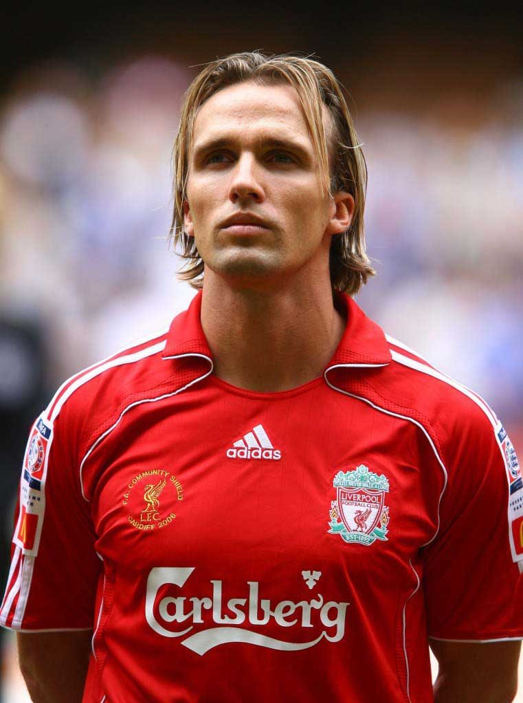 THERE AREN'T ENOUGH PICTURES OF BOLO ZENDEN ON THIS WEBSITE. LOOK AT HIM.