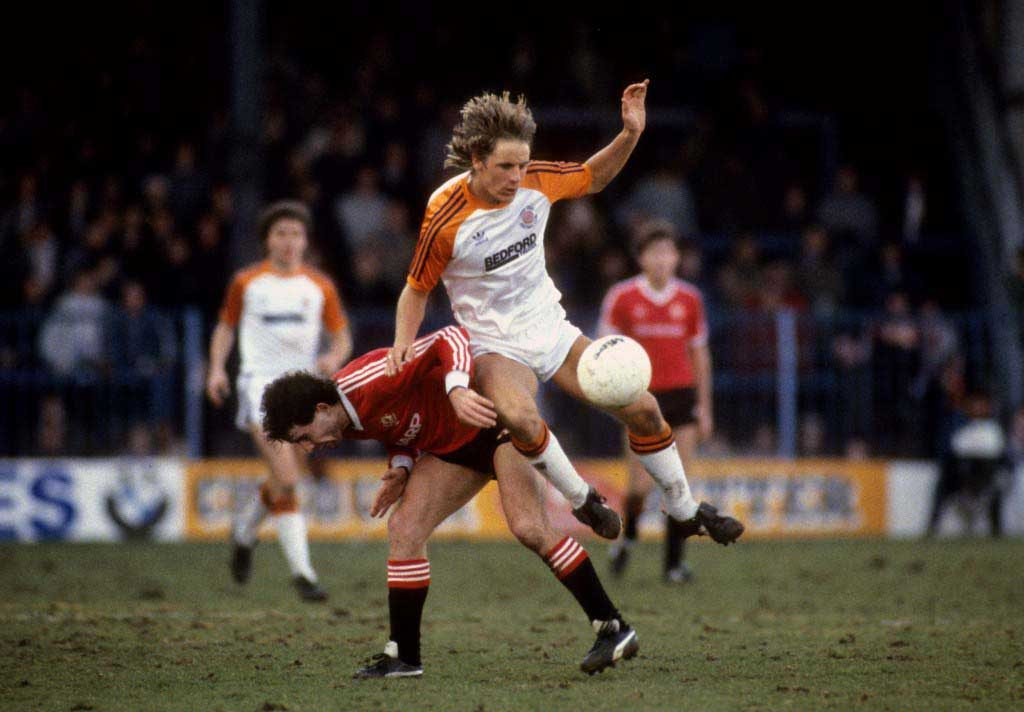 Soccer - Canon League Division One - Luton Town v Manchester United - Kenilworth Road