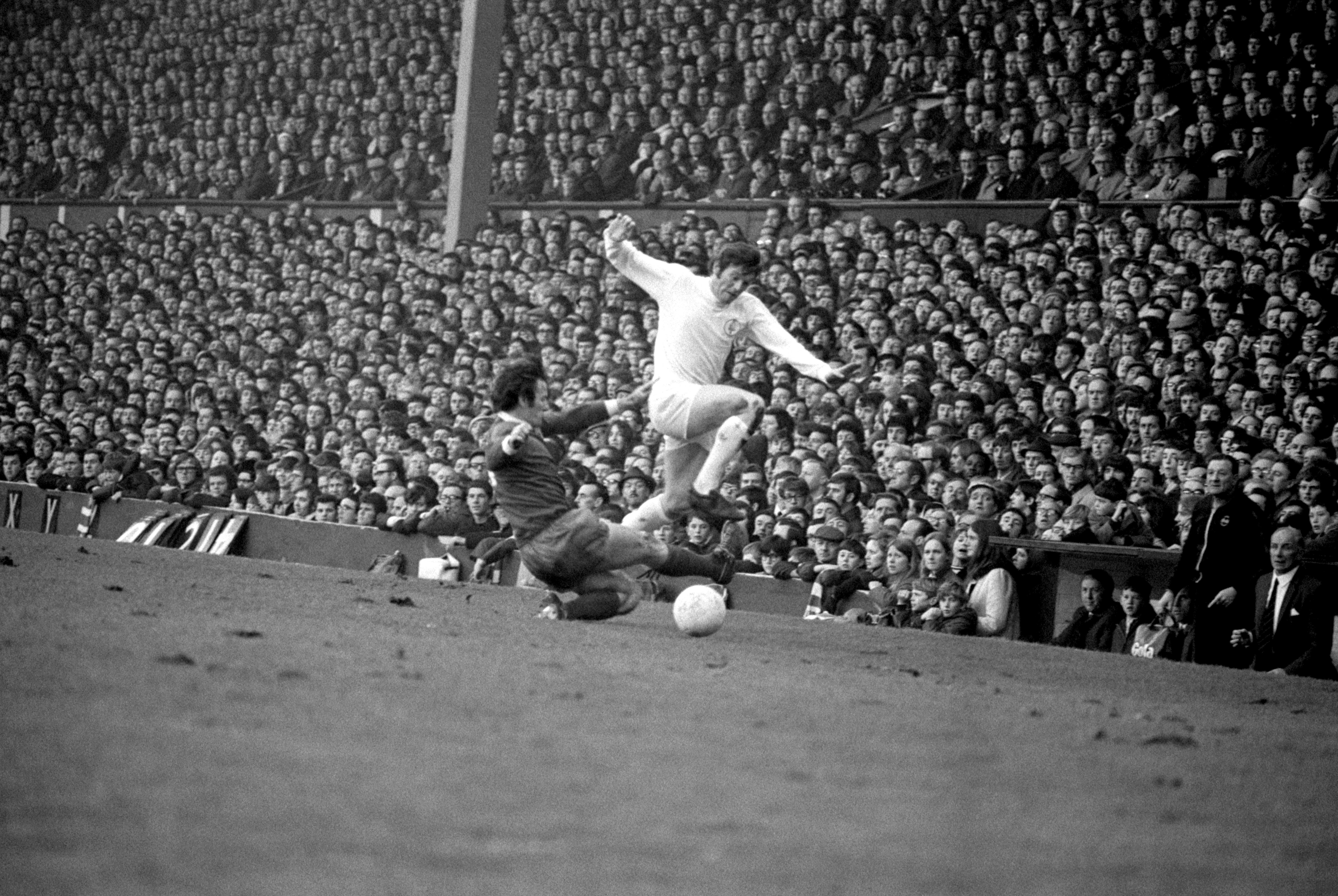 Soccer - Football League Division One - Liverpool v Leeds United