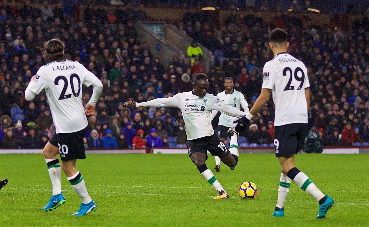 LIVERPOOL, ENGLAND - Saturday, December 30, 2017: Liverpool's Sadio Mane scores the first goal during the FA Premier League match between Liverpool and Leicester City at Anfield. (Pic by David Rawcliffe/Propaganda)