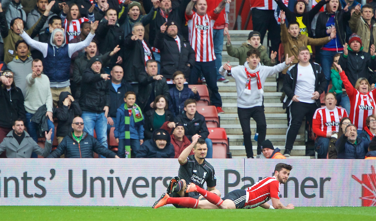 SOUTHAMPTON, ENGLAND - Sunday, March 20, 2016: Southampton's Shane Long appeals for a penalty against Liverpool's Dejan Lovren during the FA Premier League match at St Mary's Stadium. (Pic by David Rawcliffe/Propaganda)