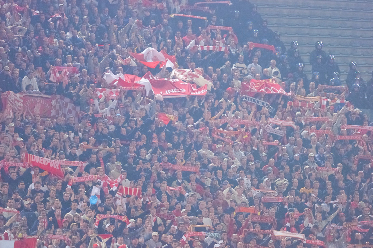 ROME, ITALY - Thursday, February 15, 2001: Liverpool supporters celebrate their victory over AS Roma after the UEFA Cup 4th Round 1st Leg match at the Stadio Olimpico. (Pic by David Rawcliffe/Propaganda)