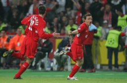 ISTANBUL, TURKEY - WEDNESDAY, MAY 25th, 2005: Liverpool's Vladimir Smicer celebrates scoring the second goal against AC Milan with his team mate Jamie Carragher during the UEFA Champions League Final at the Ataturk Olympic Stadium, Istanbul. (Pic by David Rawcliffe/Propaganda)