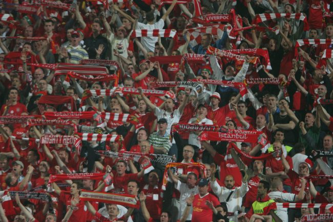 ISTANBUL, TURKEY - WEDNESDAY, MAY 25th, 2005: Liverpool fans sing 'You'll Never Walk Alone' during the UEFA Champions League Final against AC Milan at the Ataturk Olympic Stadium, Istanbul. (Pic by David Rawcliffe/Propaganda)