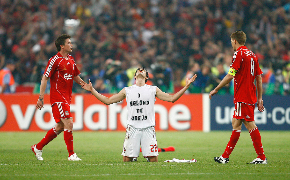 Athens, Greece - Wednesday, May 23, 2007: AC Milan's Kaka celebrates as Liverpool's Harry Kewell and Steven Gerrard look dejected afte the UEFA Champions League Final at the OACA Spyro Louis Olympic Stadium. (Pic by David Rawcliffe/Propaganda)