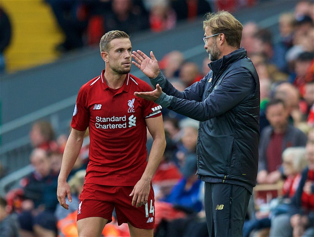 LIVERPOOL, ENGLAND - Saturday, September 22, 2018: Liverpool's manager Jürgen Klopp issues instructions to captain Jordan Henderson during the FA Premier League match between Liverpool FC and Southampton FC at Anfield. (Pic by Jon Super/Propaganda)