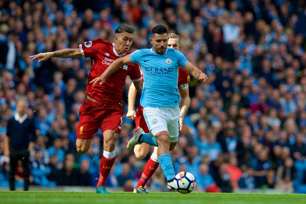 MANCHESTER, ENGLAND - Saturday, September 9, 2017: Liverpool's Roberto Firmino challenges Manchester City's Sergio Aguero during the FA Premier League match between Manchester City and Liverpool at the City of Manchester Stadium. (Pic by David Rawcliffe/Propaganda)