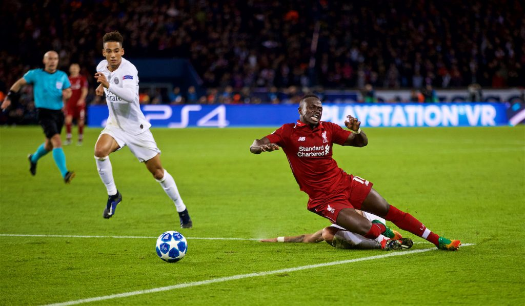 PARIS, FRANCE - Wednesday, November 28, 2018: Liverpool's Sadio Mane is brought down by Paris Saint-Germain's Ángel Di María for a penalty during the UEFA Champions League Group C match between Paris Saint-Germain and Liverpool FC at Parc des Princes. (Pic by David Rawcliffe/Propaganda)