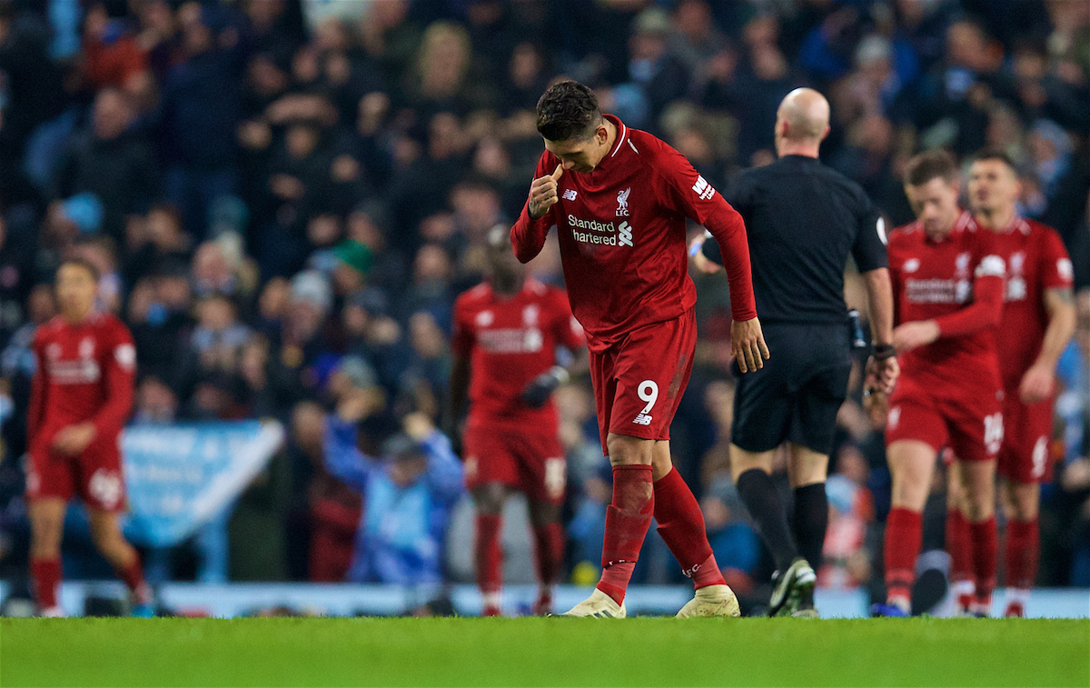 MANCHESTER, ENGLAND - Thursday, January 3, 2019: Liverpool's Roberto Firmino looks dejected as Manchester City scored the second goal during the FA Premier League match between Manchester City FC and Liverpool FC at the Etihad Stadium. (Pic by David Rawcliffe/Propaganda)