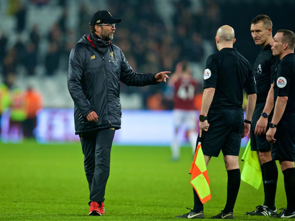 LONDON, ENGLAND - Monday, February 4, 2019: Liverpool's manager Jürgen Klopp speaks with referee Kevin Friend after the FA Premier League match between West Ham United FC and Liverpool FC at the London Stadium. (Pic by David Rawcliffe/Propaganda)
