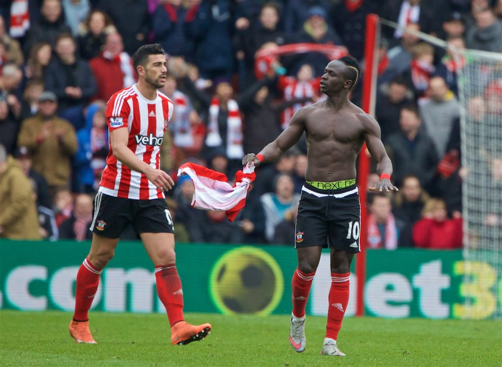 SOUTHAMPTON, ENGLAND - Sunday, March 20, 2016: Southampton's Sadio Mane celebrates after scoring the winning their goal in a 3-2 victory over Liverpool during the FA Premier League match at St Mary's Stadium. (Pic by David Rawcliffe/Propaganda)