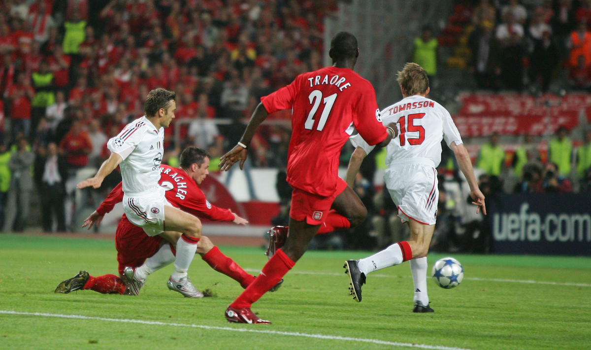 ISTANBUL, TURKEY - WEDNESDAY, MAY 25th, 2005: Liverpool's Jamie Carragher thwarts AC Milan's Andriy Shevchenko during the UEFA Champions League Final at the Ataturk Olympic Stadium, Istanbul. (Pic by David Rawcliffe/Propaganda)