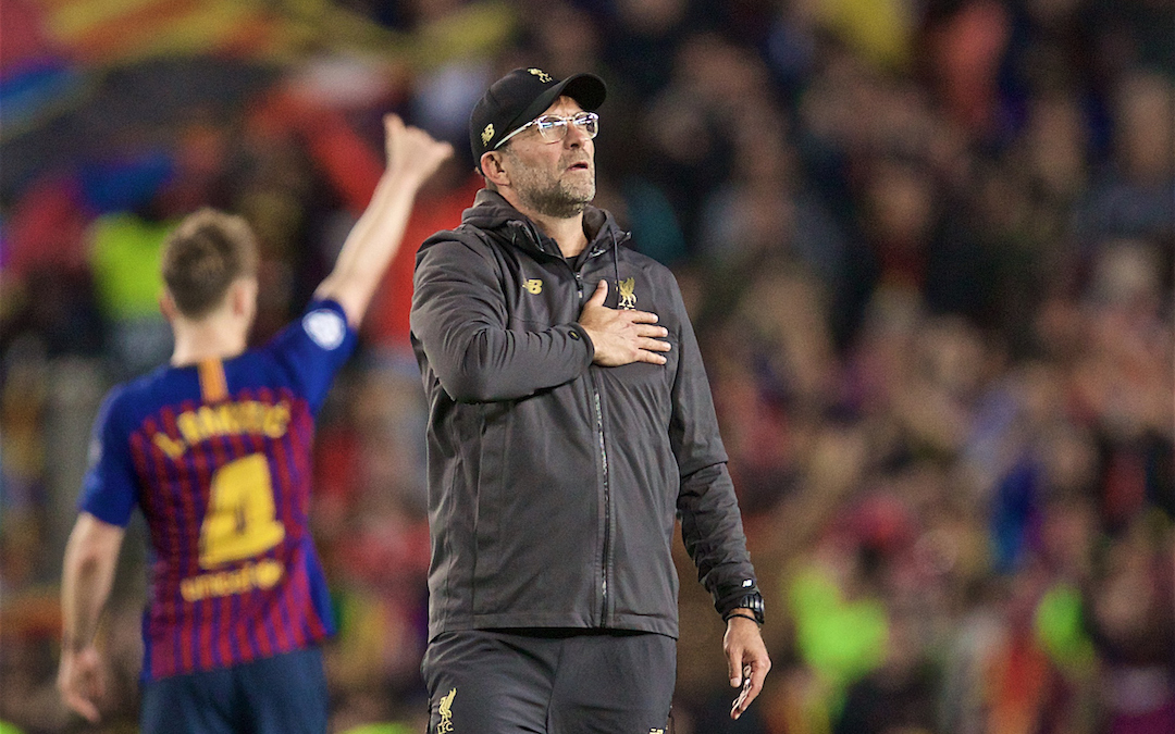 BARCELONA, SPAIN - Wednesday, May 1, 2019: Liverpool's manager Jürgen Klopp salutes the supporters after losing 3-0 during the UEFA Champions League Semi-Final 1st Leg match between FC Barcelona and Liverpool FC at the Camp Nou. (Pic by David Rawcliffe/Propaganda)