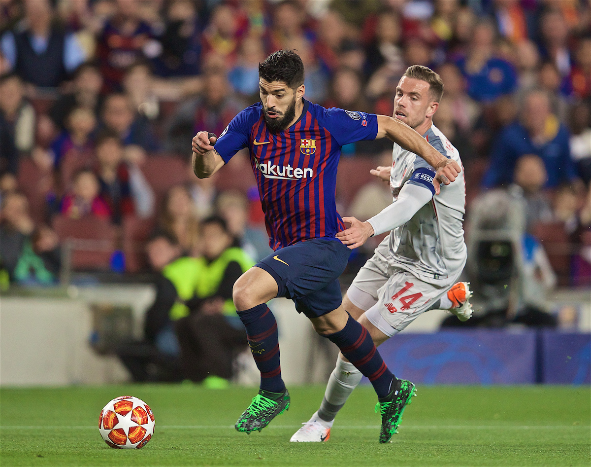 BARCELONA, SPAIN - Wednesday, May 1, 2019: FC Barcelona's Luis Suárez gets away from Liverpool's captain Jordan Henderson during the UEFA Champions League Semi-Final 1st Leg match between FC Barcelona and Liverpool FC at the Camp Nou. (Pic by David Rawcliffe/Propaganda)