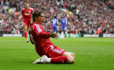 Fernando Torres scores against Chelsea FC
