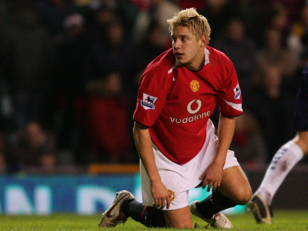 MANCHESTER, ENGLAND - TUESDAY JANUARY 4th 2005: Manchester United's Alan Smith looks dejected after missing a chance against Tottenham during the Premiership match at Old Trafford. (Pic by David Rawcliffe/Propaganda)