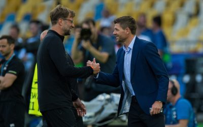 KIEV, UKRAINE - Friday, May 25, 2018: Liverpool's manager Jurgen Klopp reacts with former players Steven Gerrard during a training session at the NSC Olimpiyskiy ahead of the UEFA Champions League Final match between Real Madrid CF and Liverpool FC.