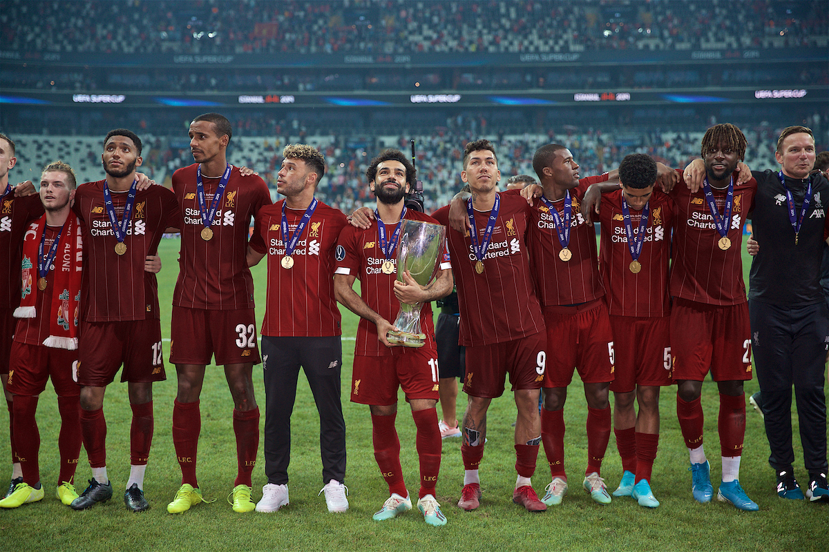 ISTANBUL, TURKEY - Wednesday, August 14, 2019: Liverpool's Mohamed Salah celebrates with the trophy after winning the Super Cup after the UEFA Super Cup match between Liverpool FC and Chelsea FC at Besiktas Park. Liverpool won 5-4 on penalties after a 1-1 draw. Joe Gomez, Joel Matip, Alex Oxlade-Chamberlain, Mohamed Salah, Roberto Firmino, Georginio Wijnaldum, Ki-Jana Hoever, Divock Origi. (Pic by David Rawcliffe/Propaganda)