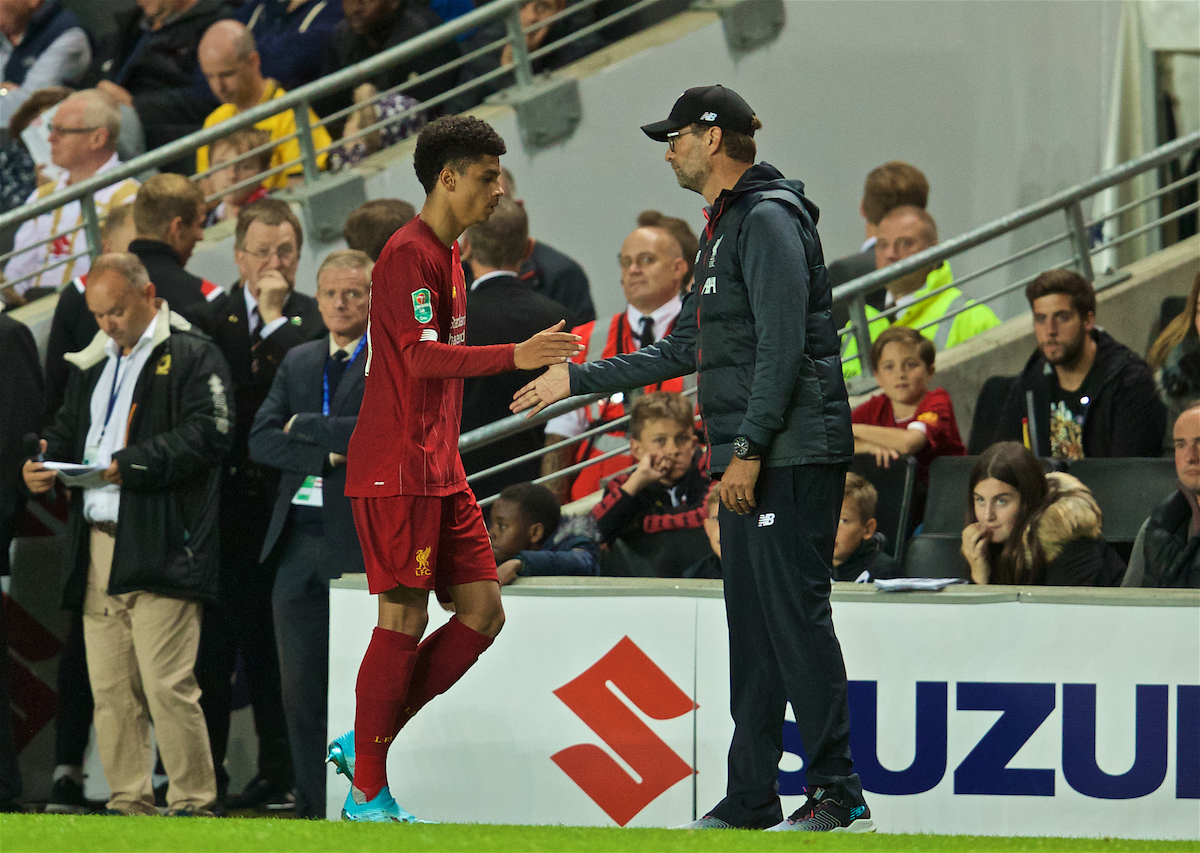 MILTON KEYNES, ENGLAND - Wednesday, September 25, 2019: Liverpool's goalscorer Ki-Jana Hoever shakes hands with manager Jürgen Klopp as he is substituted during the Football League Cup 3rd Round match between MK Dons FC and Liverpool FC at Stadium MK. (Pic by David Rawcliffe/Propaganda)