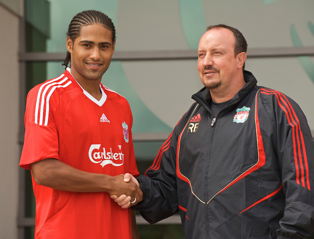 LIVERPOOL, ENGLAND - Thursday, July 9, 2009: Liverpool's new signing Glen Johnson with manager Rafael Benitez during a photo-call at Melwood following his transfer from Portsmouth. (Photo by David Rawcliffe/Propaganda)
