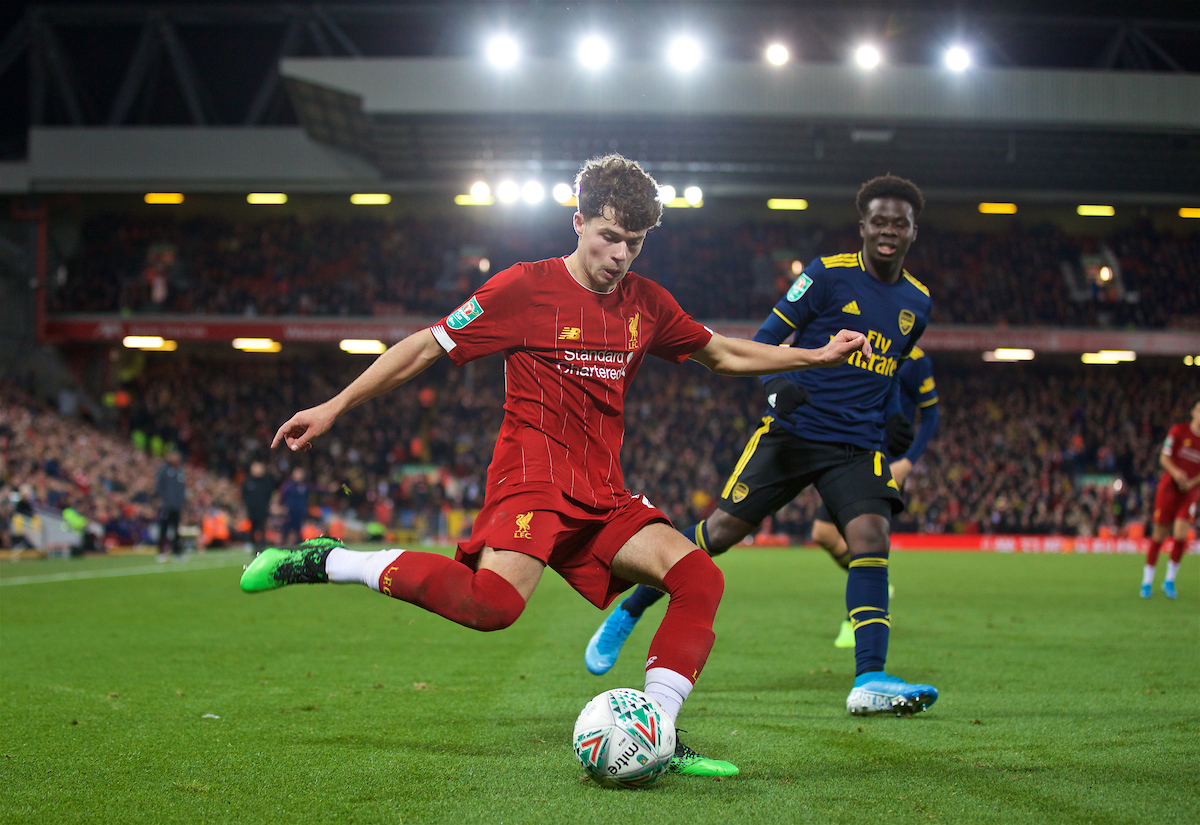 LIVERPOOL, ENGLAND - Wednesday, October 30, 2019: Liverpool's Neco Williams crosses the ball to set-up the fifth goal in injury time to seal a 505 draw and send the game to a penalty shoot out during the Football League Cup 4th Round match between Liverpool FC and Arsenal FC at Anfield. Liverpool won 5-4 on penalties after a 5-5 draw. (Pic by David Rawcliffe/Propaganda)