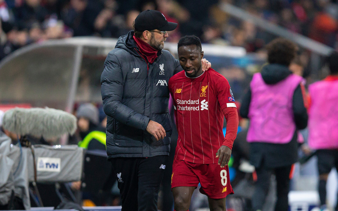 SALZBURG, AUSTRIA - Tuesday, December 10, 2019: Liverpool's Naby Keita shakes hands with manager Jürgen Klopp as he is substituted during the final UEFA Champions League Group E match between FC Salzburg and Liverpool FC at the Red Bull Arena. (Pic by David Rawcliffe/Propaganda)