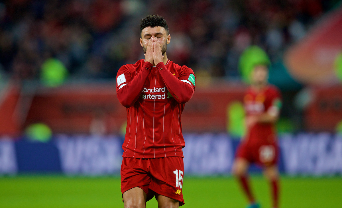 DOHA, QATAR - Wednesday, December 18, 2019: Liverpool's Alex Oxlade-Chamberlain looks dejected during the FIFA Club World Cup Qatar 2019 Semi-Final match between CF Monterrey and Liverpool FC at the Khalifa Stadium. (Pic by David Rawcliffe/Propaganda)