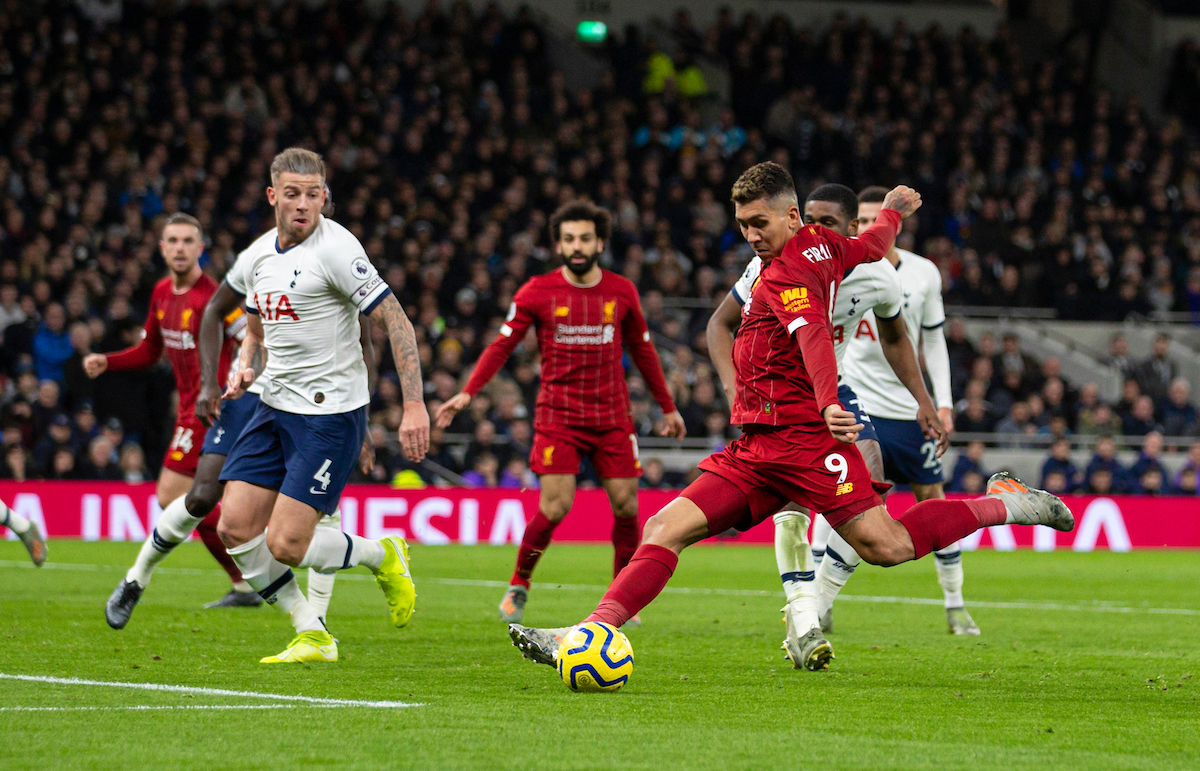 LONDON, ENGLAND - Saturday, January 11, 2020: Liverpool's Roberto Firmino  scores the first goal during the FA Premier League match between Tottenham Hotspur FC and Liverpool FC at the Tottenham Hotspur Stadium. (Pic by David Rawcliffe/Propaganda)