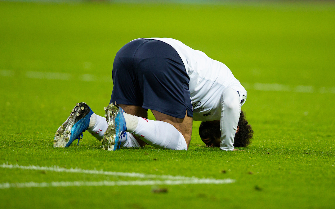 LONDON, ENGLAND - Wednesday, January 29, 2020: Liverpool's Mohamed Salah kneels to pray as he celebrates scoring the first goal rom a penalty-kick during the FA Premier League match between West Ham United FC and Liverpool FC at the London Stadium. (Pic by David Rawcliffe/Propaganda)