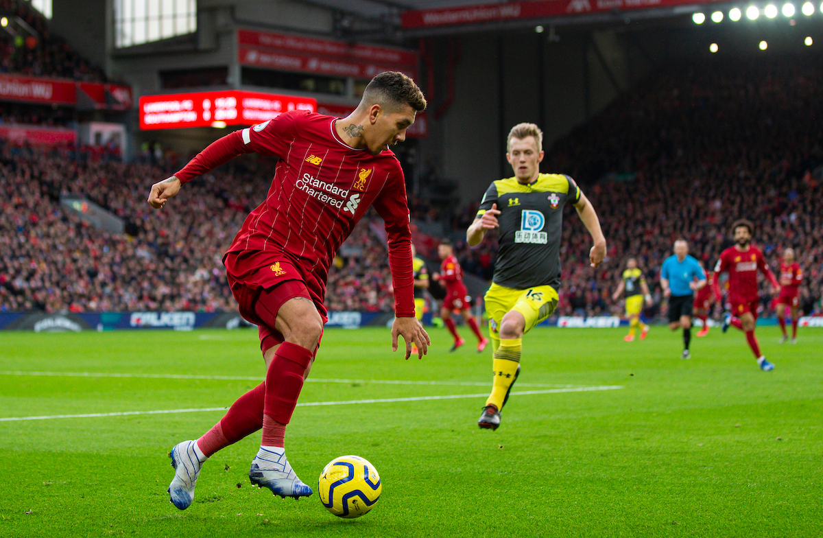 LIVERPOOL, ENGLAND - Saturday, February 1, 2020: Liverpool's Roberto Firmino during the FA Premier League match between Liverpool FC and Southampton FC at Anfield. (Pic by David Rawcliffe/Propaganda)