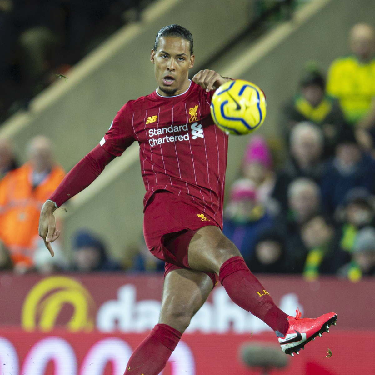 NORWICH, ENGLAND - Saturday, February 15, 2020: Liverpool's Virgil van Dijk during the FA Premier League match between Norwich City FC and Liverpool FC at Carrow Road. (Pic by David Rawcliffe/Propaganda)