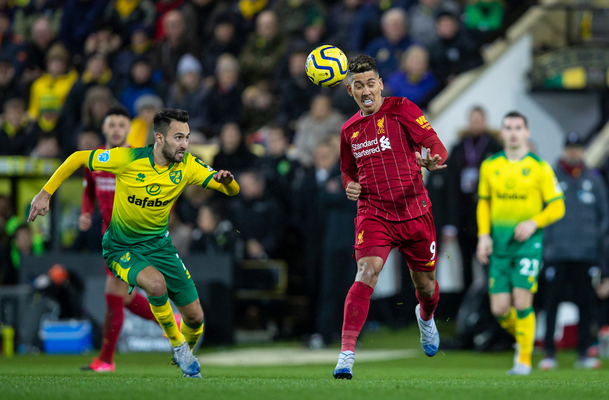 NORWICH, ENGLAND - Saturday, February 15, 2020: Liverpool's Roberto Firmino (R) during the FA Premier League match between Norwich City FC and Liverpool FC at Carrow Road. (Pic by David Rawcliffe/Propaganda)