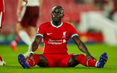 Monday, September 28, 2020: Liverpool's Sadio Mané looks dejected after missing a chance during the FA Premier League match between Liverpool FC and Arsenal FC at Anfield. The game was played behind closed doors due to the UK government's social distancing laws during the Coronavirus COVID-19 Pandemic.