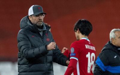 Liverpool's manager Jürgen Klopp with Takumi Minamino