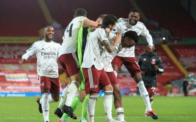 Arsenal's Joe Willock celebrates with team-mates