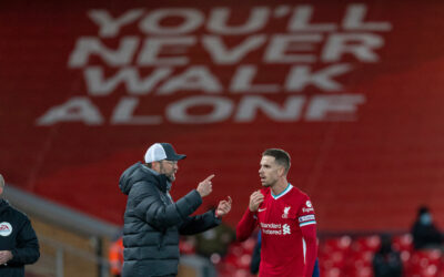 Liverpool's manager Jürgen Klopp speaks with captain Jordan Henderson during the FA Premier League match between Liverpool FC and Tottenham Hotspur FC at Anfield