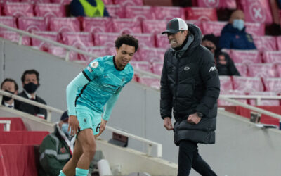 Liverpool's manager Jürgen Klopp (R) and Trent Alexander-Arnold during the FA Premier League match between Arsenal FC and Liverpool FC at the Emirates Stadium