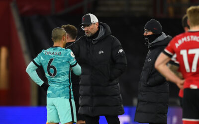 Liverpool's manager Jürgen Klopp speaks with Thiago Alcantara during the FA Premier League match between Southampton FC and Liverpool FC at St Mary's Stadium.